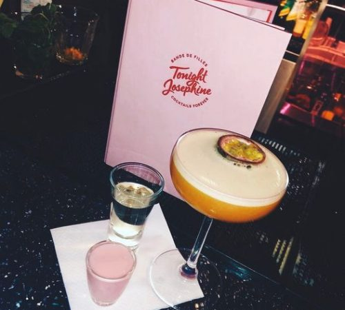 Fun things to do on a girls weekend in london Tonight Josephne pink bar london instagrammable